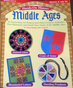 Middle Ages (Hands-on history) ISBN0-439-29642-0